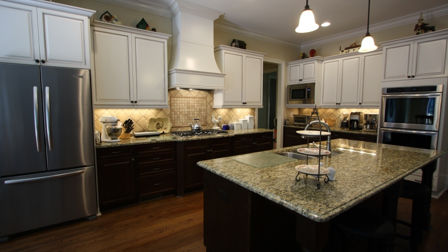 Interior Gourmet Kitchen In North Valley Estate Home